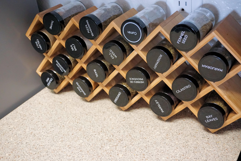 Kamenstein 5085178 Criss-Cross 18-Jar Bamboo Countertop Spice Rack Organizer