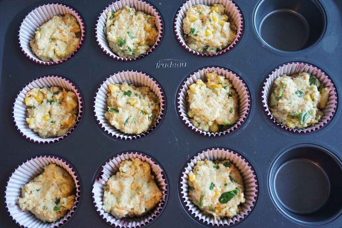 muffins batter in tray
