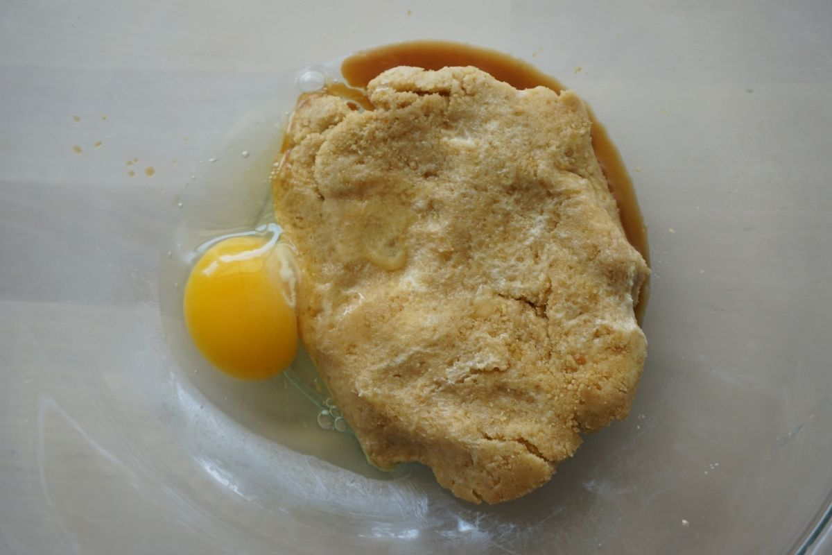 egg and vanilla with cookie mixture