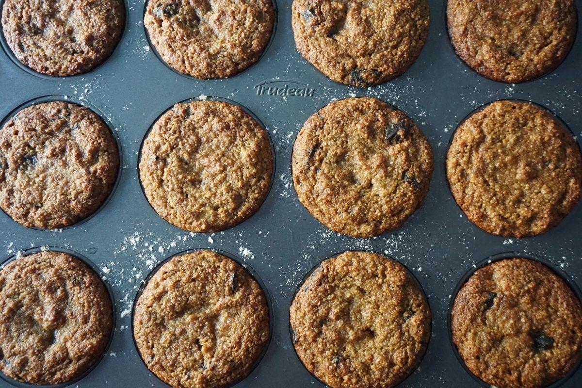 baked banana muffins