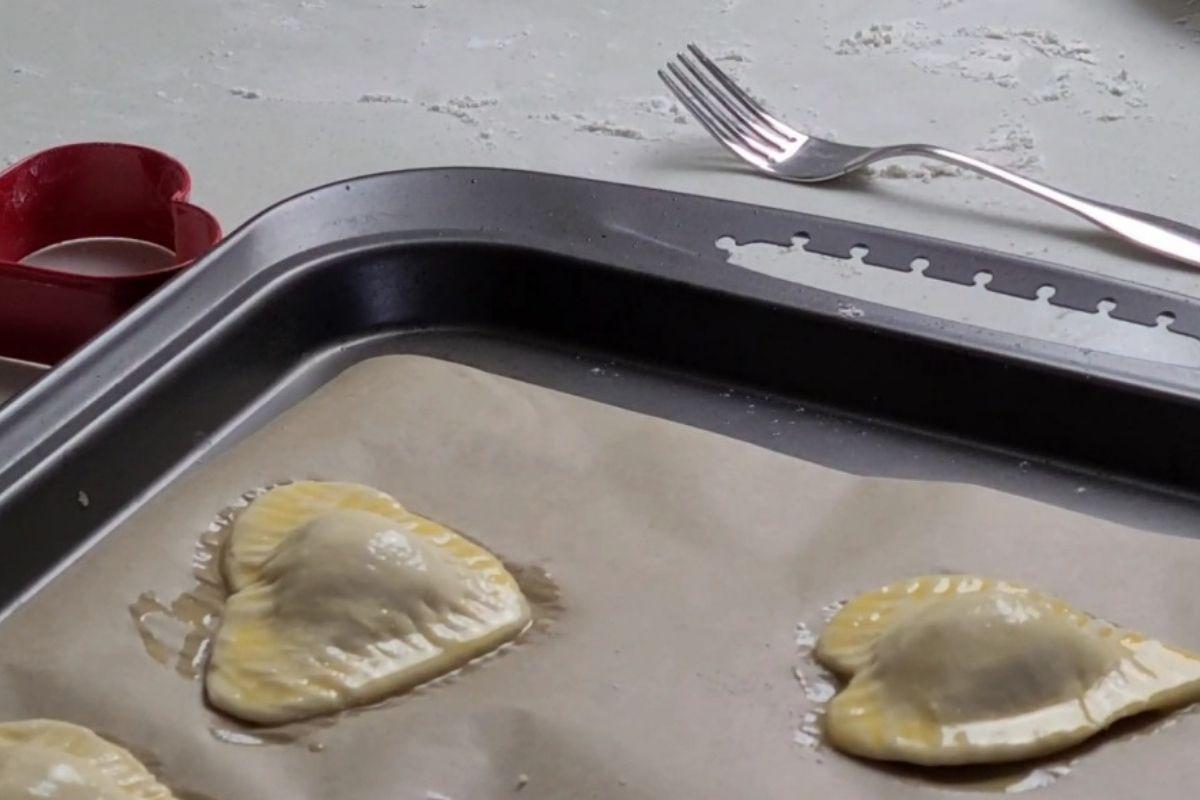 Eggwash on top of puff
