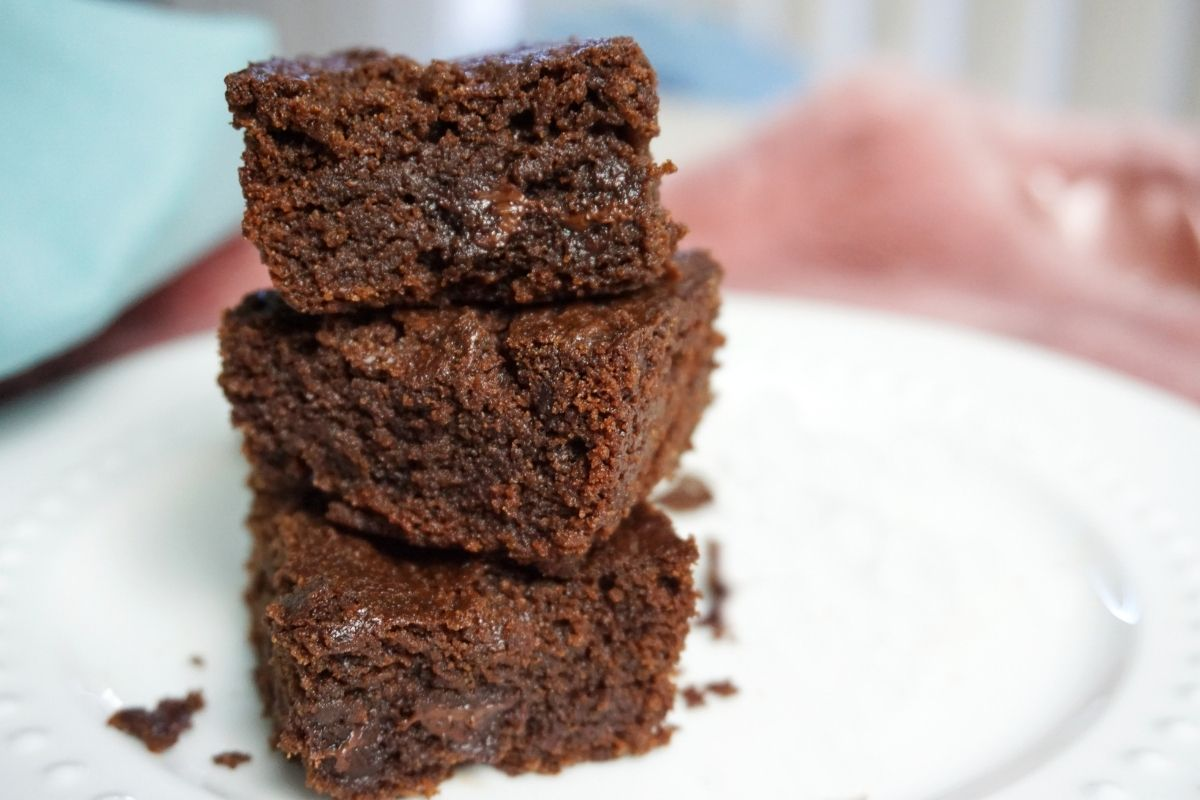 stacked brownie pieces